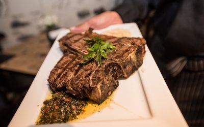 Meat&Co. apresenta sua nova parrilla uruguaia com muitas opções no cardápio para quem quer ter uma ótima experiência gastronômica