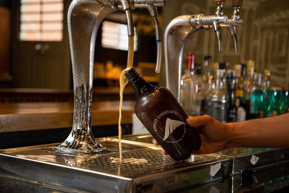 Cervejaria Libertastes lança duas cervejas de uma nova série